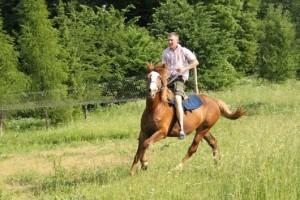 Иппотерапия (общение с лошадьми) в Знаменке